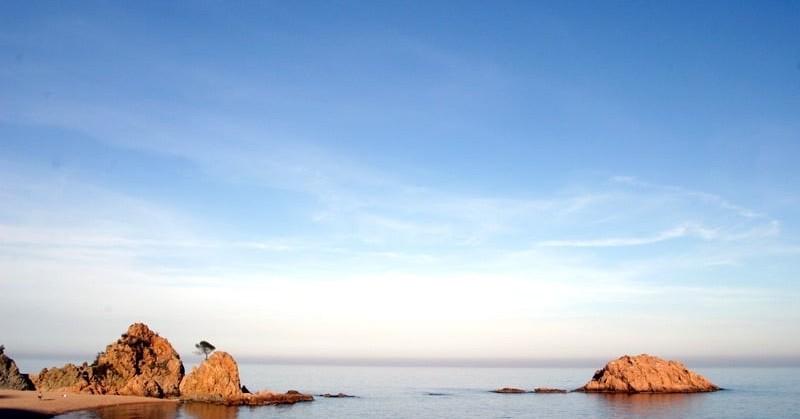 Activités familiales à Tossa de Mar: guides de plongée en apnée