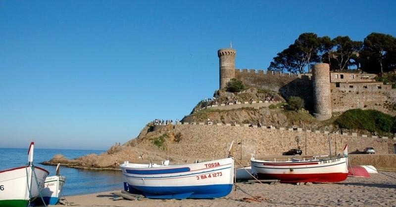 Activitats familiars a Tossa de Mar: Els enigmes de la vila marinera