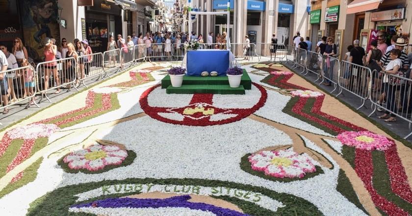 Concours de corpus et tapis de fleurs à Sitges et Vilanova i la Geltrú