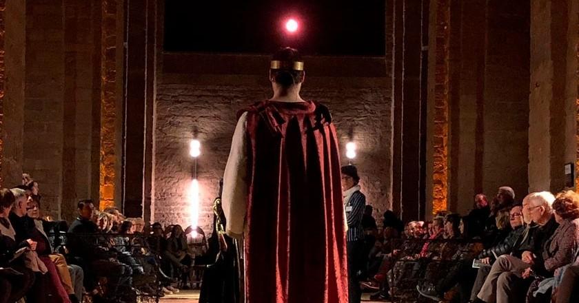 Le théâtre du trône au château de Cardona