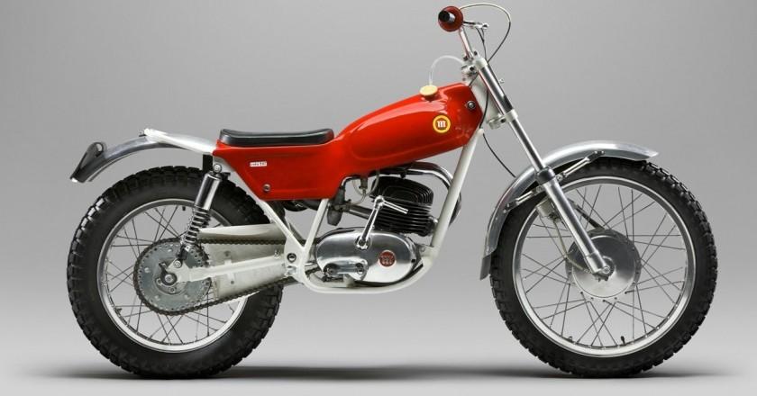 Exposición de Montesa en el Museo de la Moto de Bassella