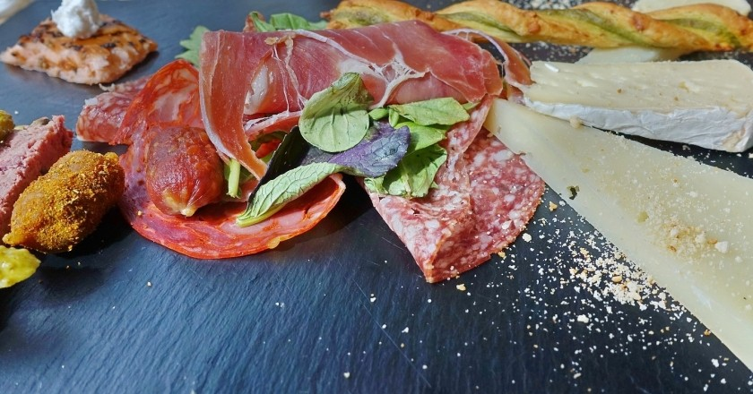 Pica i tasta Monturiol a Calafell