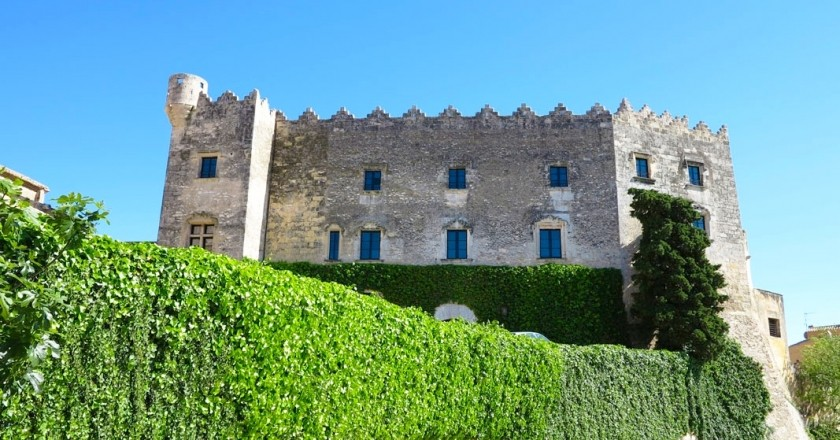 Guided visit to the Montserrat Castle of Altafulla