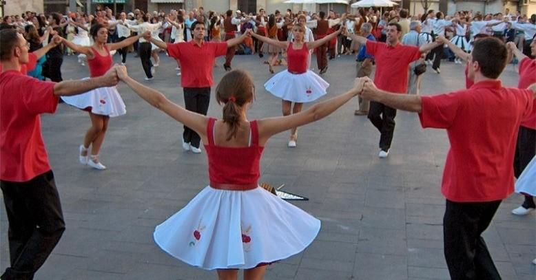La sardana, dansa nacional de Catalunya