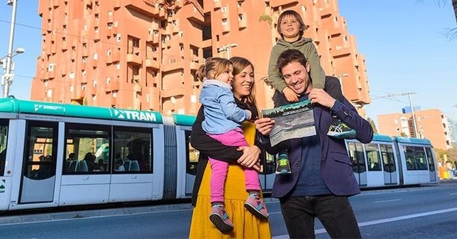 Nous faisons l'itinéraire de tram à travers le Baix Llobregat