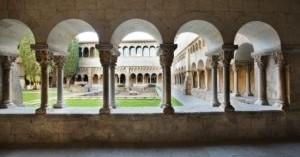 Dues audioguies: Conjunt Monàstic i Claustre Romànic