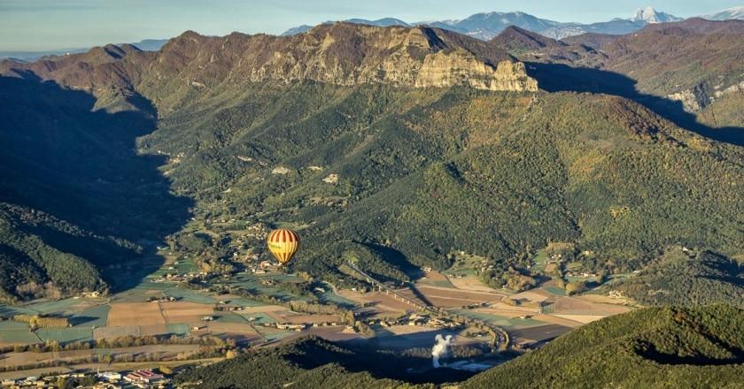 Hotel Vall de Bas + vol en globus en família a la Garrotxa