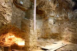 Romani shelter, the Neolitic to Capellades