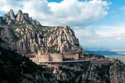 The route of the 3 mountains (Monserrat Monastery route three hills)