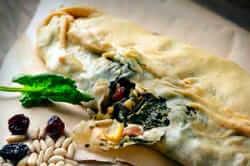 1714 Tasting food (spinach pies kitchen 1714)