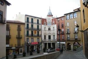 El románico en el Alt Berguedà (Berga Placa San Pedro)