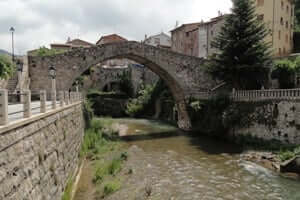 The Romanesque in Alt Berguedà (La Pobla De Lillet)