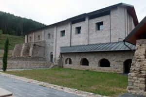 El románico en el Alt Berguedà (Monasterio De Sant Llorenc)