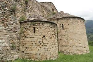 El románico en el Alt Berguedà (Monasterio De Santa María De Lillet)