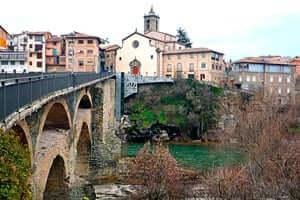 Route of Miquel Martí i Pol (Old Bridge De Roda De Ter)
