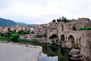 Ruta del Pirineu Comtal: per una volta catalane identitat médiévale (Besalu Ciutat Comtal)