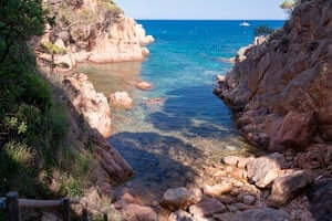 Coves and beaches of Sant Feliu de Guixols (Cala Almendro)