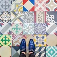 Barcelona, de mosaico en mosaico (Mosaicos Barcelona Generator Hostel)