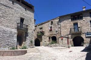 San Ramon Cervera, traversant le sud de Segarra (Montfalco Murallat Intérieur)
