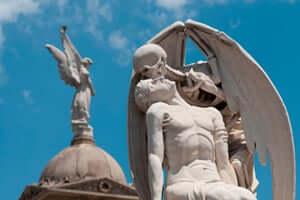 Les ciutats dels morts, els cementiris més singulars de Catalunya (El Peto De La Mort Cementiri Del Poble Nou)
