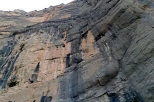 Culture and adventure in the Rialb reservoir (Barranco Del Boter Embalse Rialb)