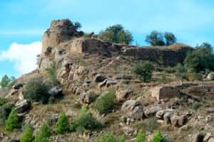 Culture and adventure in the Rialb reservoir (Castillo de Puentes Embalse Rialb)