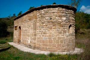 Cultura y aventura en el embalse de Rialb (Ermita Santa Eulalia Pomanyons De La Tora Rialb)