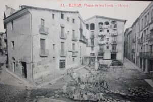 Berga during the Civil War (Portal Sallagossa Plate Las Fuentes Berga Civil War)