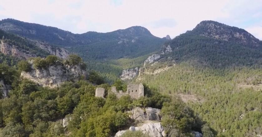Camino al Castillo de Roset en Vilada