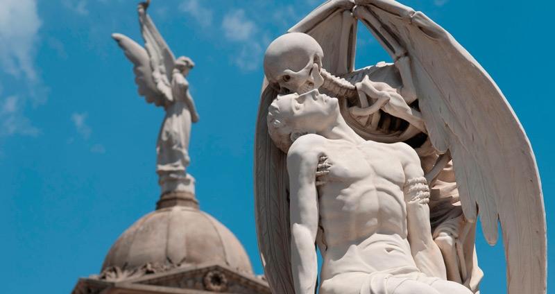 Las ciudades de los muertos, los cementerios más singulares de Cataluña