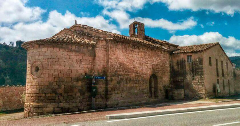 Walking through the Romanesque of Argençola
