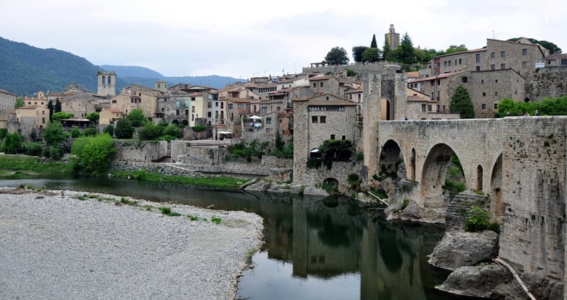 Condal Pyrénées: une visite de l'identité catalane médiévale