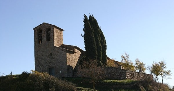 Route to the hermitage of Sant Cugat de Gavadons in Collsuspina