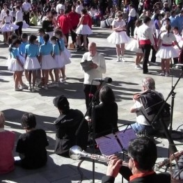 Contest of sardanistas groups in Ripoll