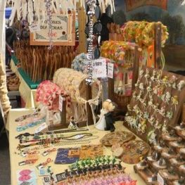 Alternative Fair, market of natural and artisanal products in…