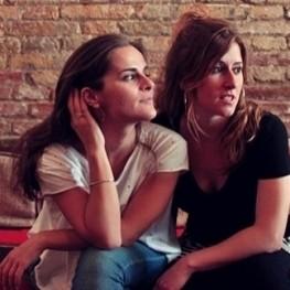La mirada violeta de Meritxell Gené i Aina Torres a Altafulla