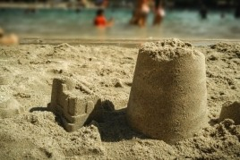 Concours de châteaux de sable à Altafulla