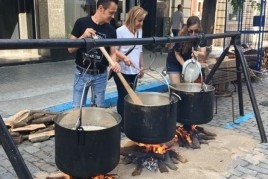 Feast of thermal sausage in Caldes de Montbui