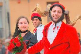 Festa de l'Arbre de Maig i Ball del Cornut de Cornellà del…