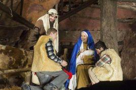 scène de la nativité de Jésus en direct