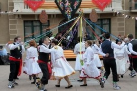 Carnival Rua and gypsy dance in Santa Maria de Palautordera