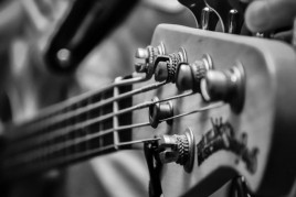 Sona Guitarra in Viver i Serrateix