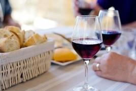 Vino +, el mes de la DO Alella
