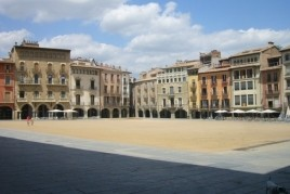 Guided tour of Sunday of November in the Plaza Mayor de Vic
