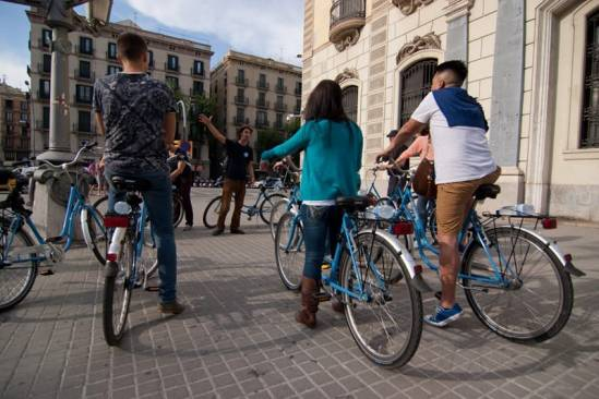 Born Bike Tours Barcelona (Escoltant)