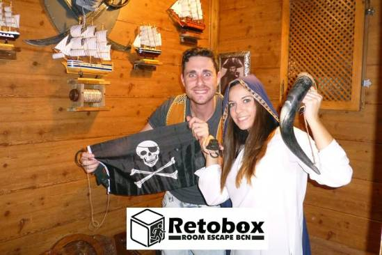 Retobox Room Escape Barcelona (Participants Pirates)