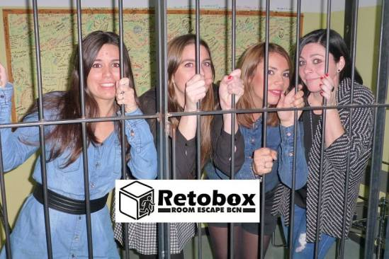 Retobox Room Escape Barcelona (Participants Preso)