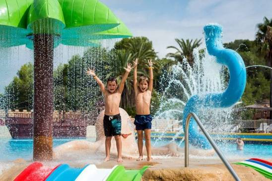 Aqualeón Water Park (Fonts)