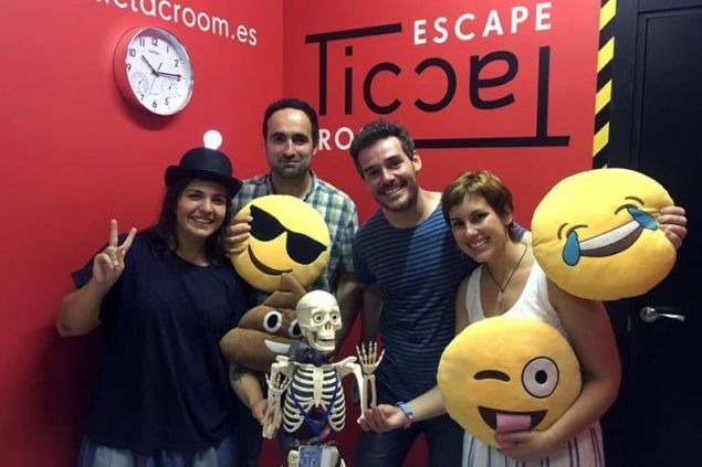 Tic Tac Room Escape (Participants 2)