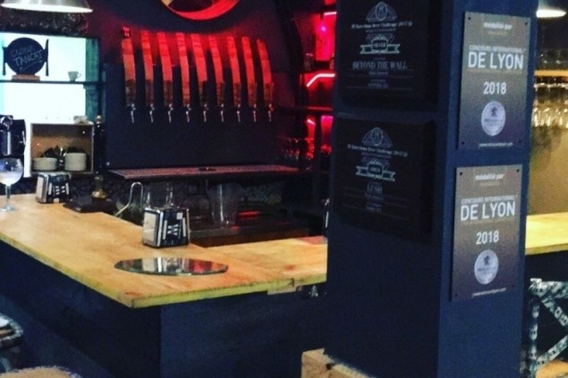Wylie Sitges Craft Beer & Food (Bar)